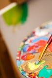 Peinture sur un chevalet Photographie stock libre de droits