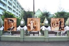 Peinture thaïlandaise d'artiste de portrait du Roi Bhumibol de Sa Majesté Photographie stock