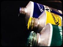 Peintures à l'huile dans un tube Images stock