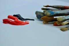 Peintures à l'huile de pinceaux et Photographie stock libre de droits