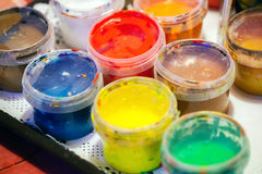 Peintures acryliques colorées Photos libres de droits