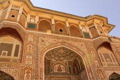 Peintures complexes sur le fort d'ambre d'entrée de Ganesh Pol Photos stock