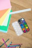 Peintures d'aquarelle avec des papiers de métier sur le Tableau Image libre de droits