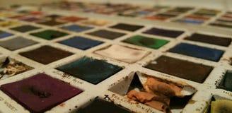 Peintures de couleur d'eau de vintage en étain Photographie stock libre de droits