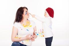 Peintures de mère et de petit garçon une fois peint Photos libres de droits