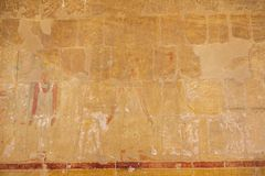Peintures de mur dans le temple de Hatshepsut photo stock
