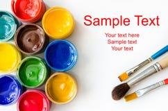 Peintures et brosses Image libre de droits