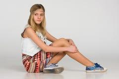 Peinzend tienermeisje Stock Fotografie