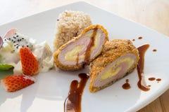 Peito de frango enchido espinafres Fotos de Stock Royalty Free