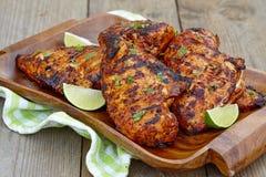 Peito de frango grelhado com cal fotografia de stock royalty free