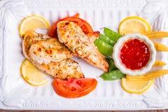 peito de frango grelhado da carne branca, tiras da galinha Fotografia de Stock