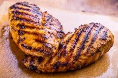 Peito de frango grelhado em variações diferentes com tomat da cereja foto de stock royalty free