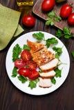 Peito de frango roasted cortado Fotografia de Stock