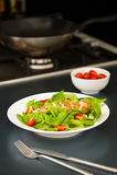 Peito de galinha cortado como o ingrediente da salada Imagem de Stock Royalty Free