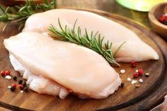 Peito de galinha cru Fotos de Stock