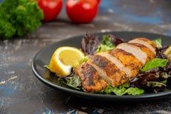 Peito de galinha grelhado fotos de stock royalty free