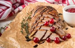 Peito de pato Roasted com tomilho, arandos e vinagre balsâmico Foto de Stock Royalty Free