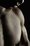 Peito masculino de um homem africano