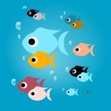 Peixes coloridos com bolhas na água azul ilustração royalty free
