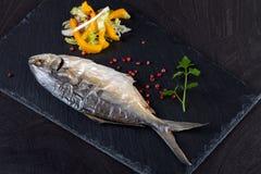 Peixes cozidos de Trevally imagem de stock royalty free