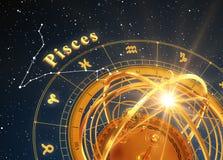 Peixes do sinal do zodíaco e esfera Armillary no fundo azul Fotografia de Stock Royalty Free