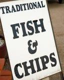 Peixes e microplaquetas tradicionais. Imagens de Stock Royalty Free