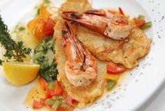 Peixes fritados com camarões Fotos de Stock Royalty Free