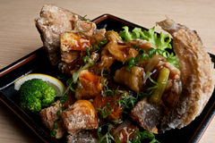 Peixes fritados japoneses. Imagem de Stock