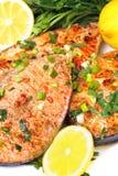 Peixes fritados na placa Fotos de Stock