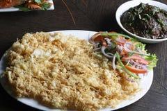 Peixes Kabiraji - Fried Fish em uma rede do ovo Imagem de Stock Royalty Free
