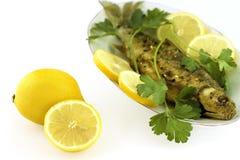 Peixes Roasted com limão Fotos de Stock Royalty Free