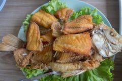 peixes Torrado-fritados fotos de stock royalty free