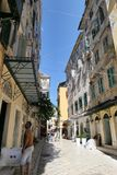 Pejzaż miejski Corfu grodzki Kerkyra z swój dziejowymi domami i zdjęcie stock
