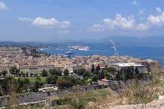 Pejzaż miejski Corfu grodzki Kerkyra z swój dziejowymi domami i fotografia royalty free
