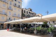 Pejzaż miejski Corfu grodzki Kerkyra z swój dziejowymi domami i zdjęcia stock