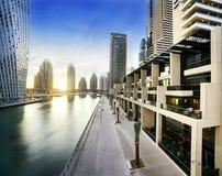 Pejzaż miejski Dubaj przy nocą, Zjednoczone Emiraty Arabskie Obrazy Royalty Free