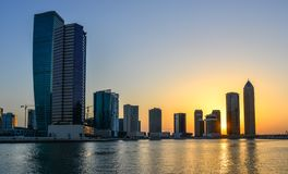 Pejzaż miejski Dubaj przy zmierzchem obraz stock