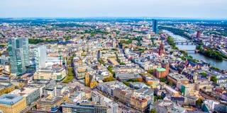 Pejzaż miejski Frankfurt magistrala, Niemcy - Am - zdjęcia royalty free