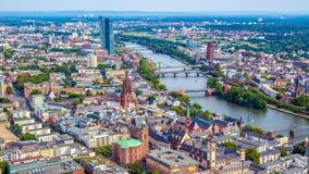 Pejzaż miejski Frankfurt magistrala, Niemcy - Am - zdjęcia stock