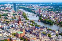 Pejzaż miejski Frankfurt magistrala, Niemcy - Am - zdjęcie stock
