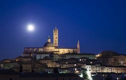 pejzaż miejski księżyc w pełni noc Siena Obrazy Stock