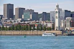 Pejzaż miejski Montreal, Kanada jak widzieć od St Lawrance rzeki Obraz Royalty Free