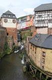 Pejzaż miejski Saarburg z swój dziejowym starym grodzkim Leuk i częścią zdjęcia stock