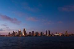 Pejzaż miejski San Diego nad wodą fotografia stock