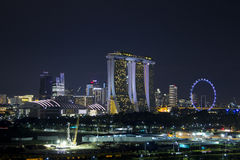 Pejzaż miejski Singapur linia horyzontu przy mrocznym czasem zdjęcie stock