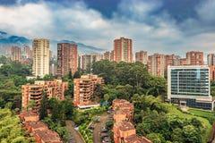 Pejzażu miejskiego El Poblado okręg Medellin, Kolumbia fotografia royalty free