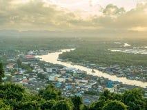 Pejzażu miejskiego widok Chumphon ujście, Tajlandia Obraz Stock