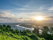 Pejzażu miejskiego widok Chumphon ujście, Tajlandia Fotografia Royalty Free