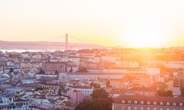 Pejzaż miejski Lisbon, Portugalia, przy zmierzchem Obraz Royalty Free