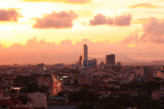 Pejzażu miejskiego zmierzchu widok z lotu ptaka Zdjęcie Stock